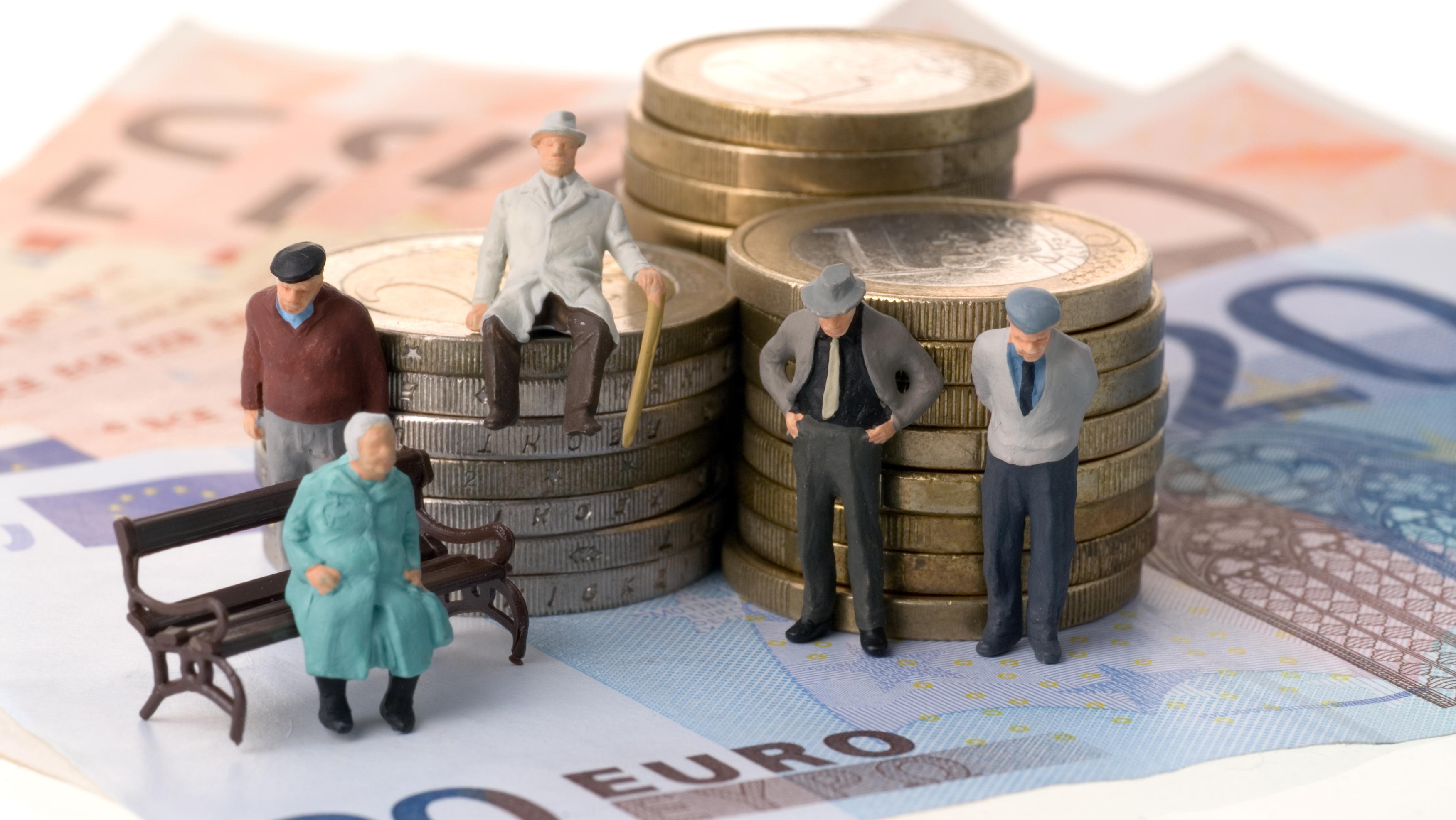 Как получить пенсию без трудового стаж размер 1 пенсионного балла в 2021