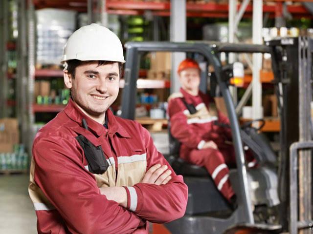 Заведующая складом или заведующий складом